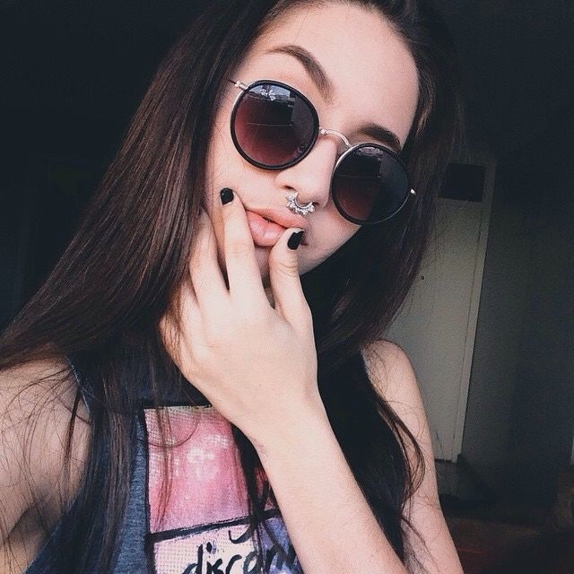 Girl With Sunglasses, Sunglasses 2016, Ray Ban Sunglasses Sale, Women s  Fashion, Fashion e26335de48