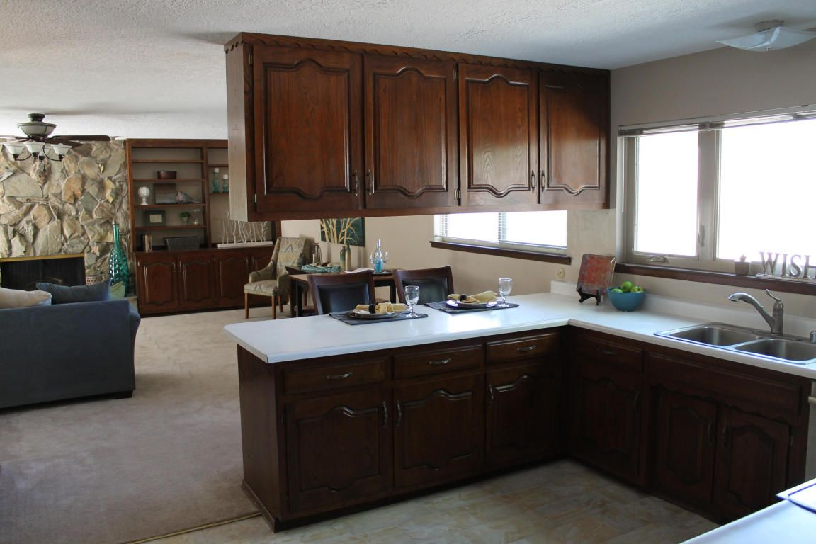 Classic Kitchen At 609 Wagon Train Dr In Albuquerque New Mexico Home For Sale Classic Kitchens New Mexico Homes Home