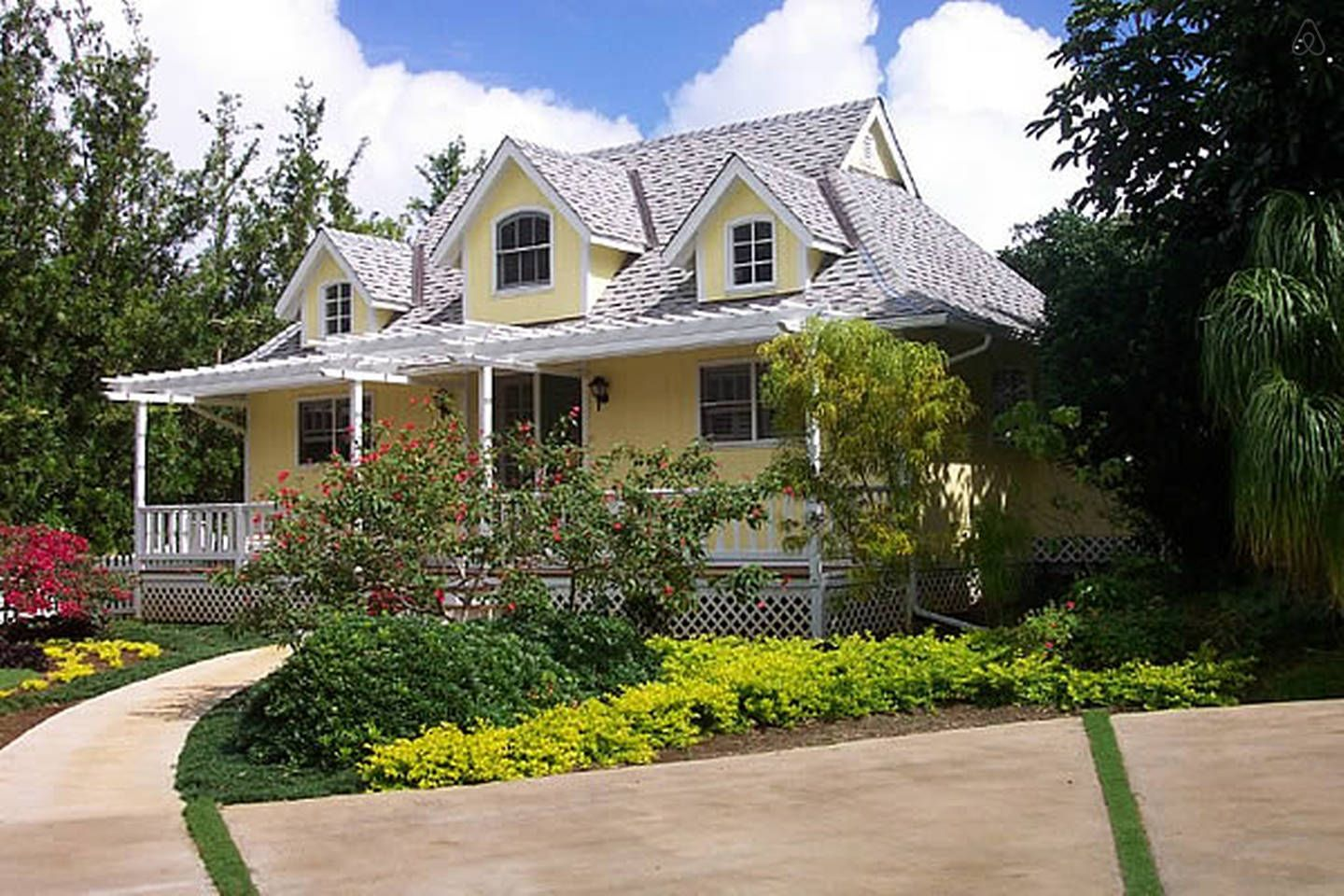 Charming Victorian Cottage In Kapaa Cottage Homes Kapaa Vacation Home