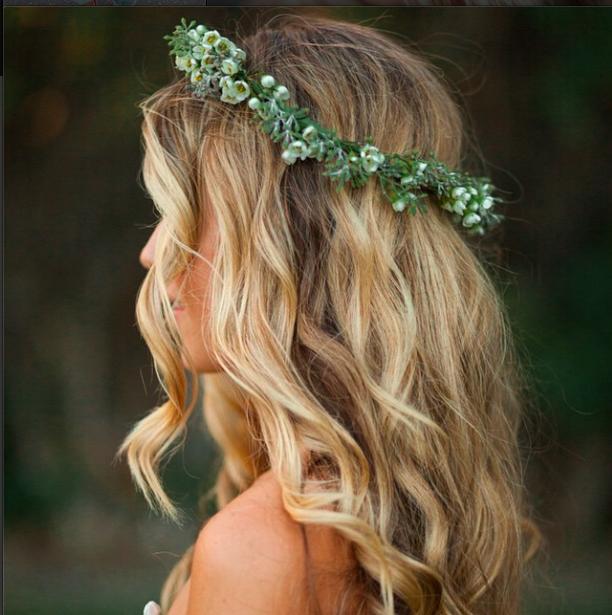 Wedding Hair Photo By Kelly Brown Photo Frisur Hochzeit Hochzeitsfrisuren Frisur Blumenkranz