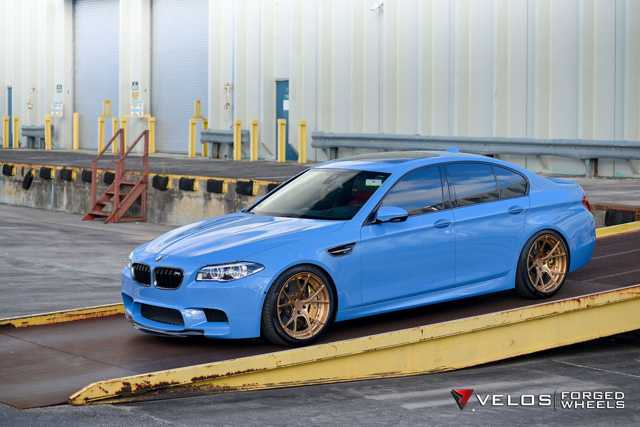 bmw f10 m5 sedan velos design wheels light blue moster bmw f10 5 series sedan. Black Bedroom Furniture Sets. Home Design Ideas