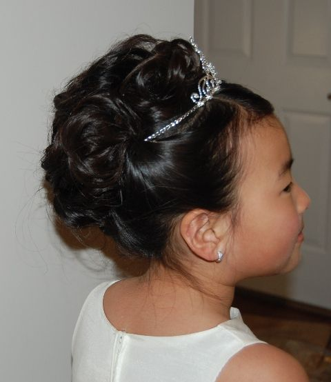 Flower Girl Hairstyles For Wedding: Flower Girl Updo With Tiara