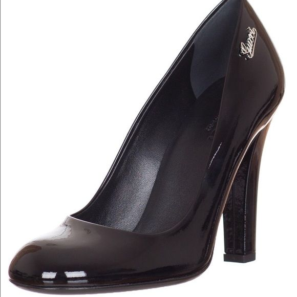 027c1af25c0 Gucci black patent leather pumps Made in Italy. Black patent leather ...