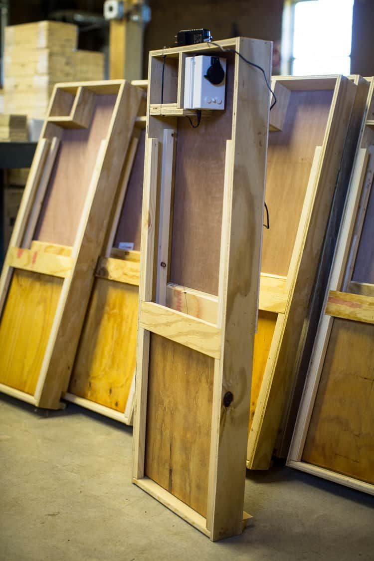 5 diy automatic chicken coop doors for easy care