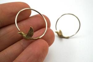 Small Bird Hoop Earrings - love birds - Nature jewelry #smallbirds