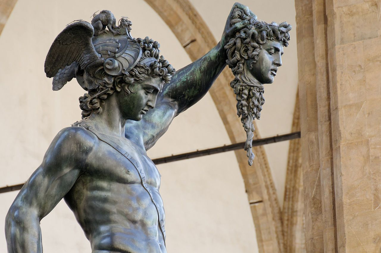Category Perseus By Benvenuto Cellini Wikimedia Commons Statues Persee Et Meduse Florence Italie