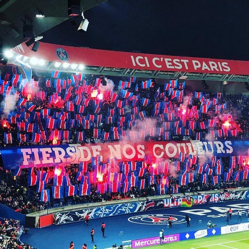 Ultras Fiers De Nos Couleurs Pas De Nos Joueurs Psgman Fond D Ecran Telephone Affiches De Football Fond D Ecran Foot
