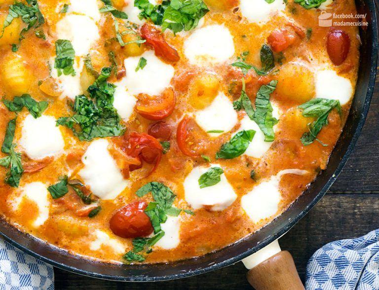 Gnocchi mit Tomatensoße und Mozzarella – Madame Cuisine