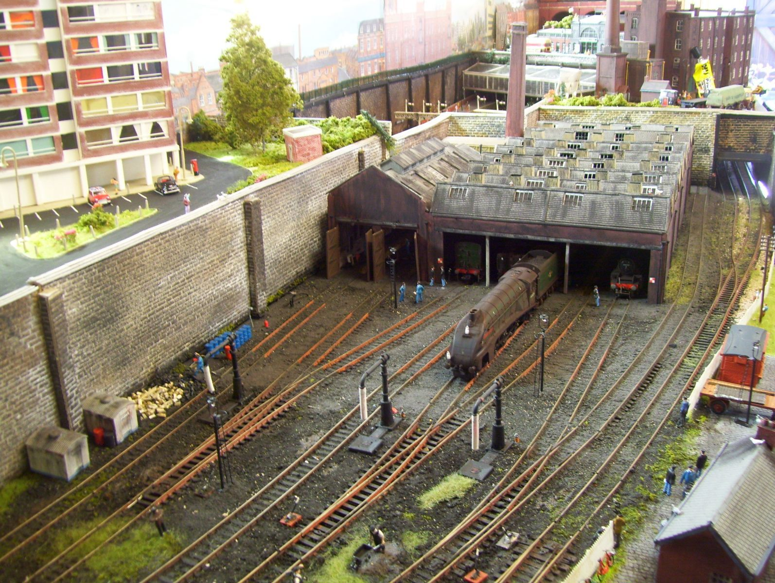 Gritty Looking Engine Shed Well Weathered Nice Model
