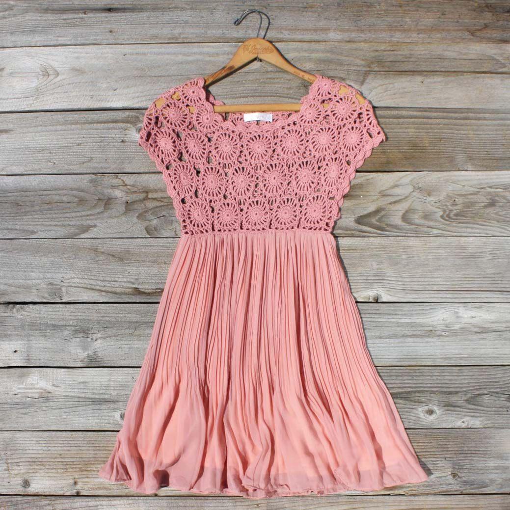 Precioso vestido, la falda sugiero que se elabore con gasa para que ...