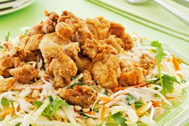 Fried chicken salad recipe, NZ Woman's Weekly – Malaysia is one of the most delicious and affordable places to eat in the world. This fried chicken salad is a popular favourite. – foodhub.co.nz