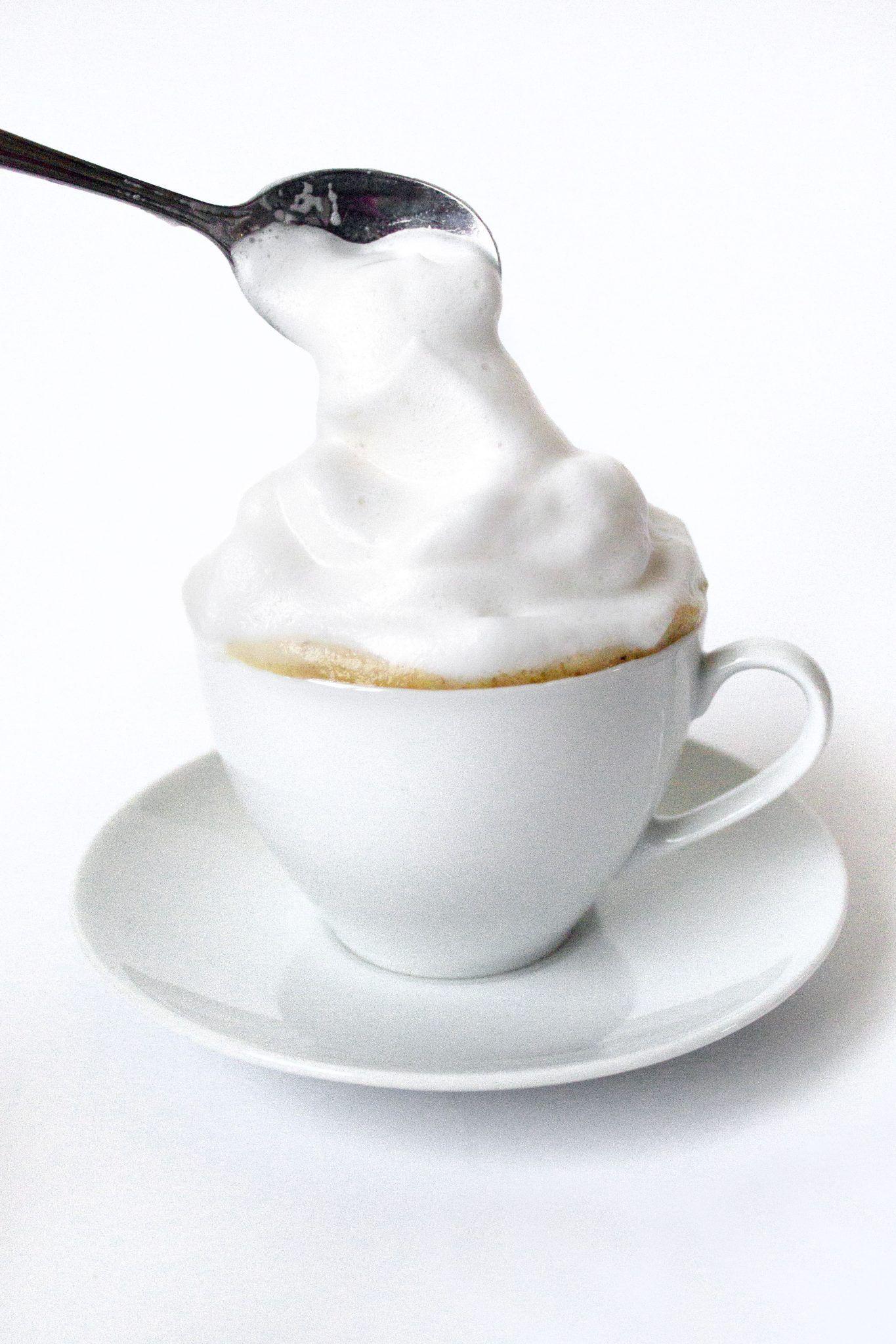 Howto make an easy almond milk cappuccino recipe