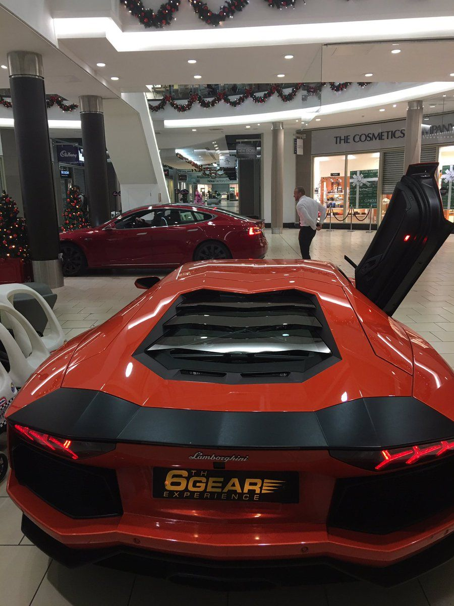 6th Gear Experience 6gearexperience On Twitter Aventador Sneaks Into Shopping Centre Supercar Driving Experience Super Cars Driving Experience