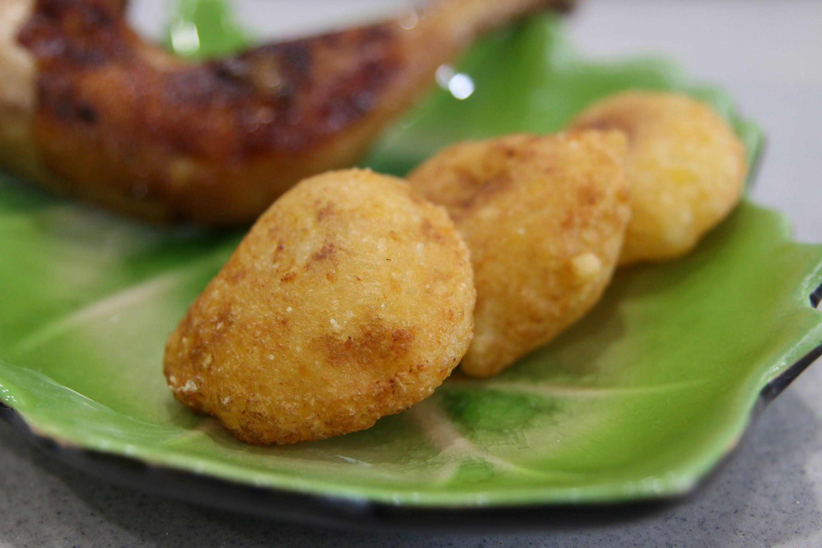 crispy glutinous puff  xoi chien phong  recipes food