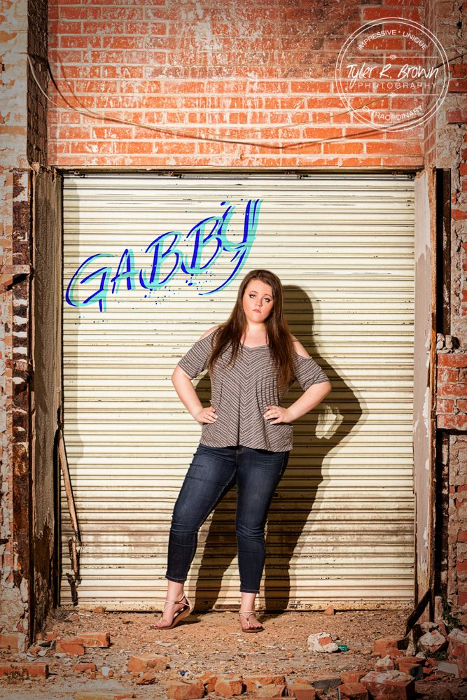 Sweet Senior Session Takes An Edgy Twist Class Of 2017 Pinterest