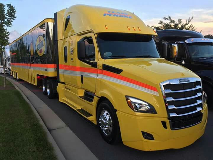 Freightliner New Cascadia Bristol Speed Way Trucks Freightliner
