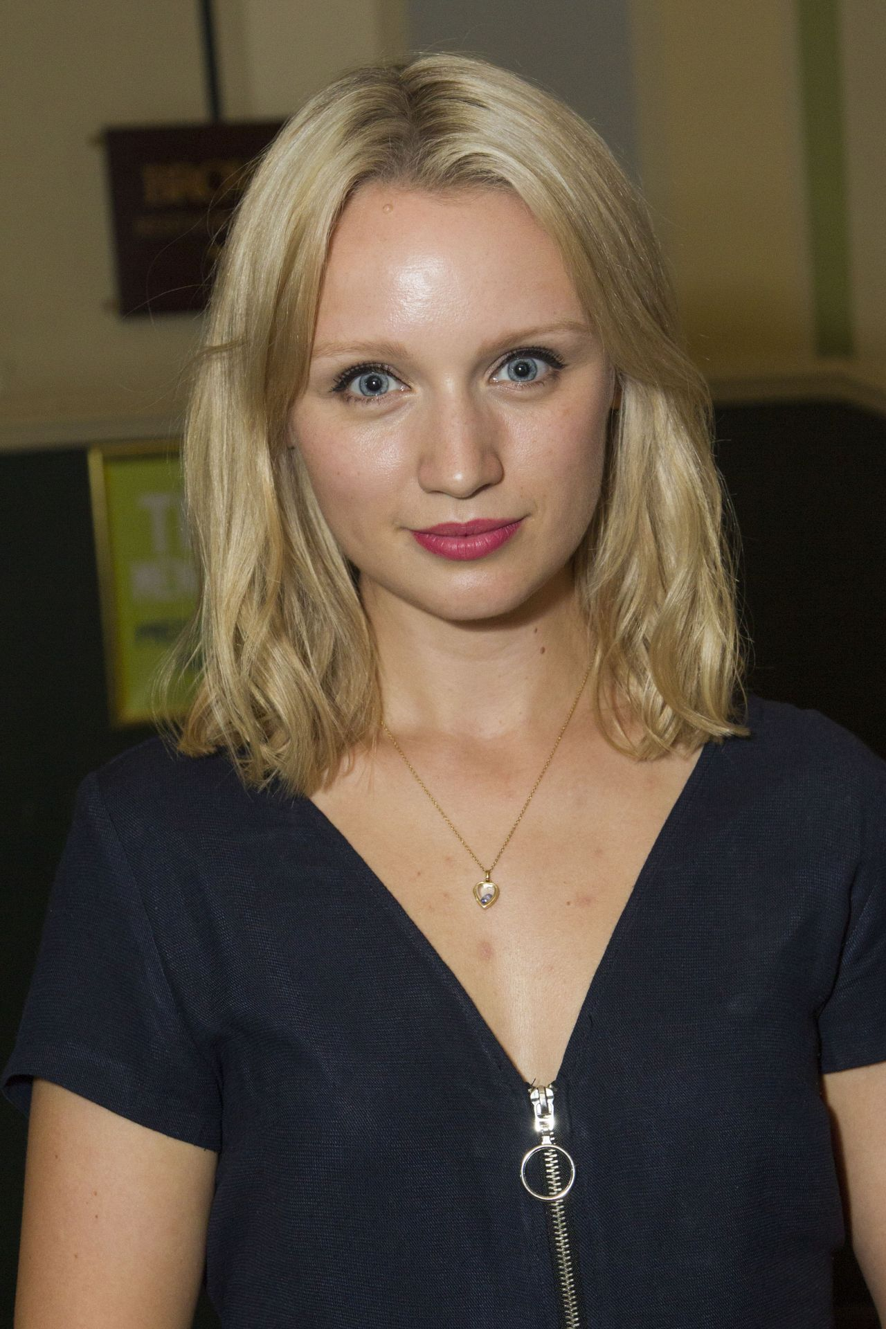 Is a cute Emily Berrington nude (28 foto and video), Tits, Fappening, Feet, braless 2019