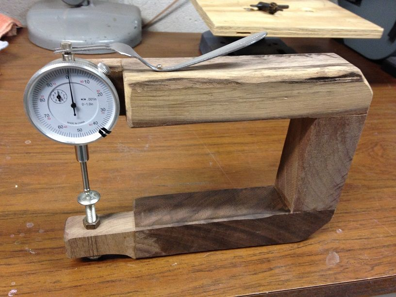 Easy to build luthier tool, thickness gauge.