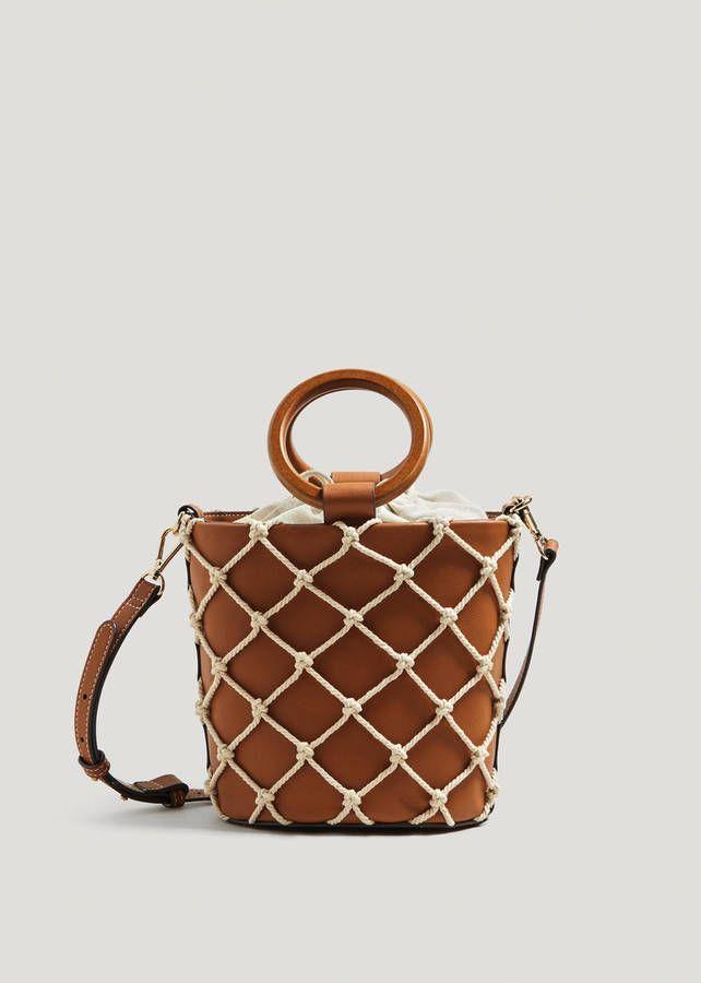 4746c9d9621b Voici les 30 plus beaux sacs repérés chez Zara, Mango et H M en 2019   Sacs    Bags   Taschen, Handtaschen et Modetrends