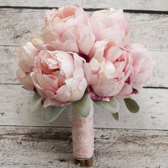 Peonie Bouquet Da Sposa.Blush Pink Peony Bouquet With Lamb S Ear And Lace Peonia Rosa