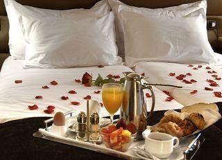 Cena Romántica Desayuno Romántico Desayunos En La Cama Desayunos De Amor
