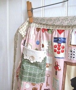 Charlotte Lyons : Handmade Art, Design & Craft