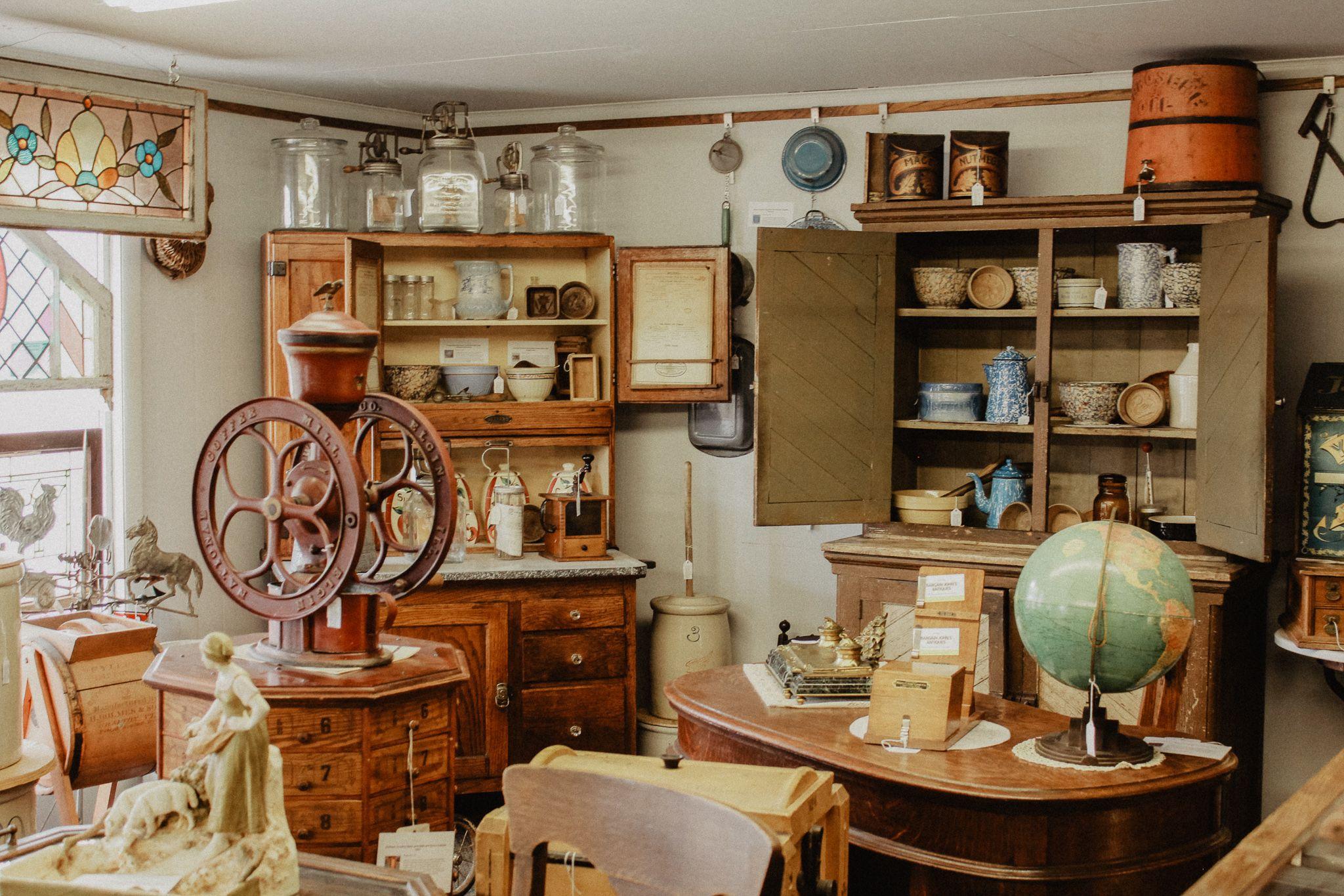 Antiques stores located in Lexington, Nebraska. | Antique ...