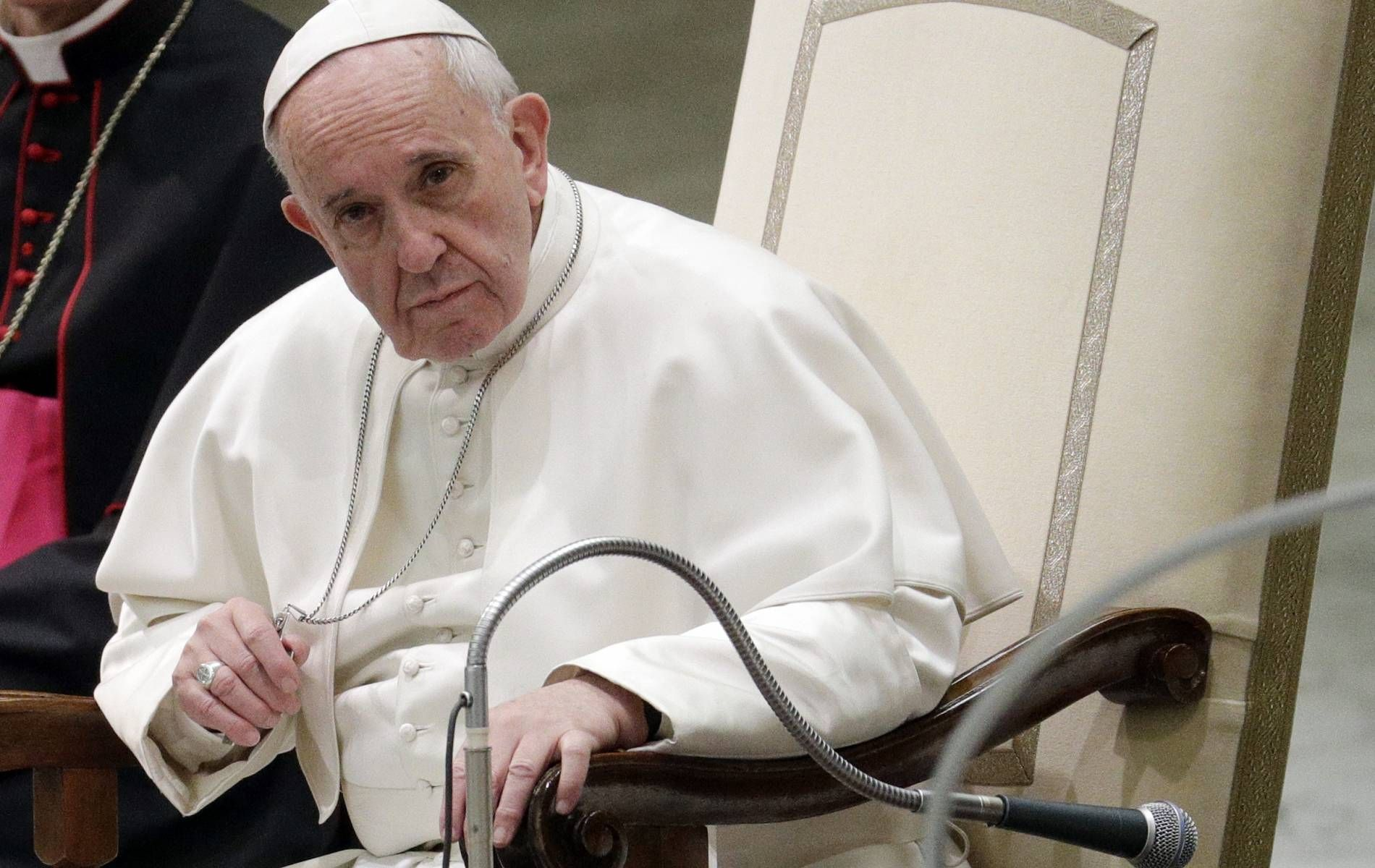 Pope Francis Warns That Nuclear War Is On The Horizon Pope Pope Francis Vatican
