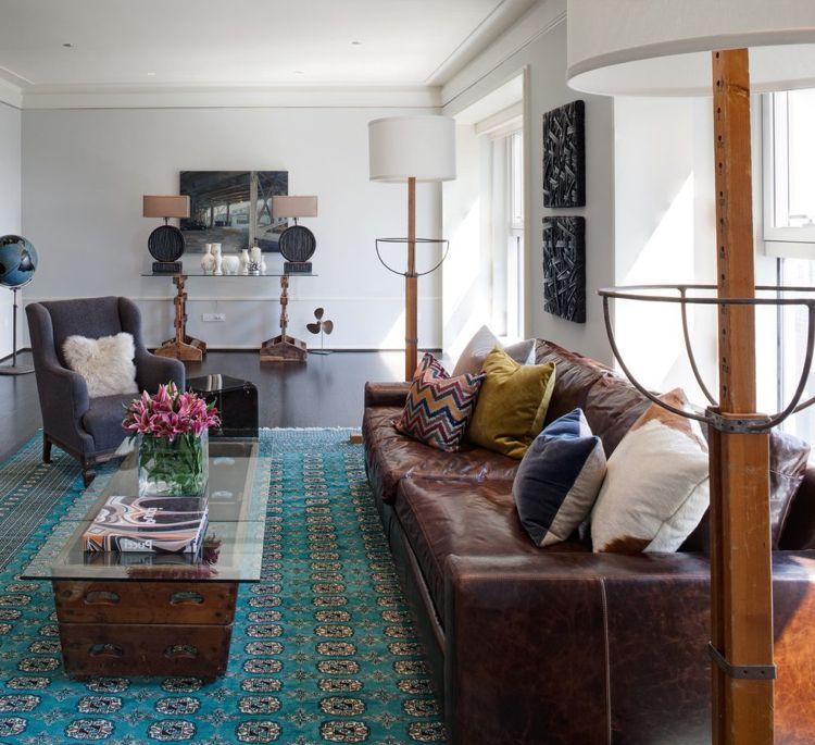 Bilder für Wohnzimmer -braun-leder-sofa-vintage-ornamente - wohnzimmer braun rosa