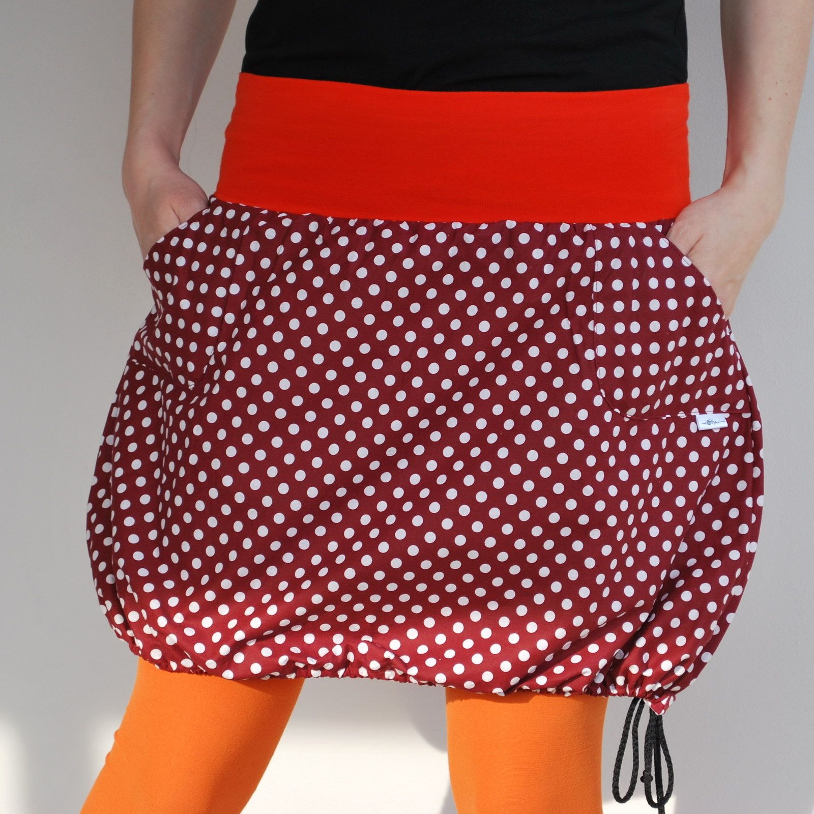42fa6863380e Puntíčkatá do balónku i do áčka Krátká sukně z krásné bavlněné ...