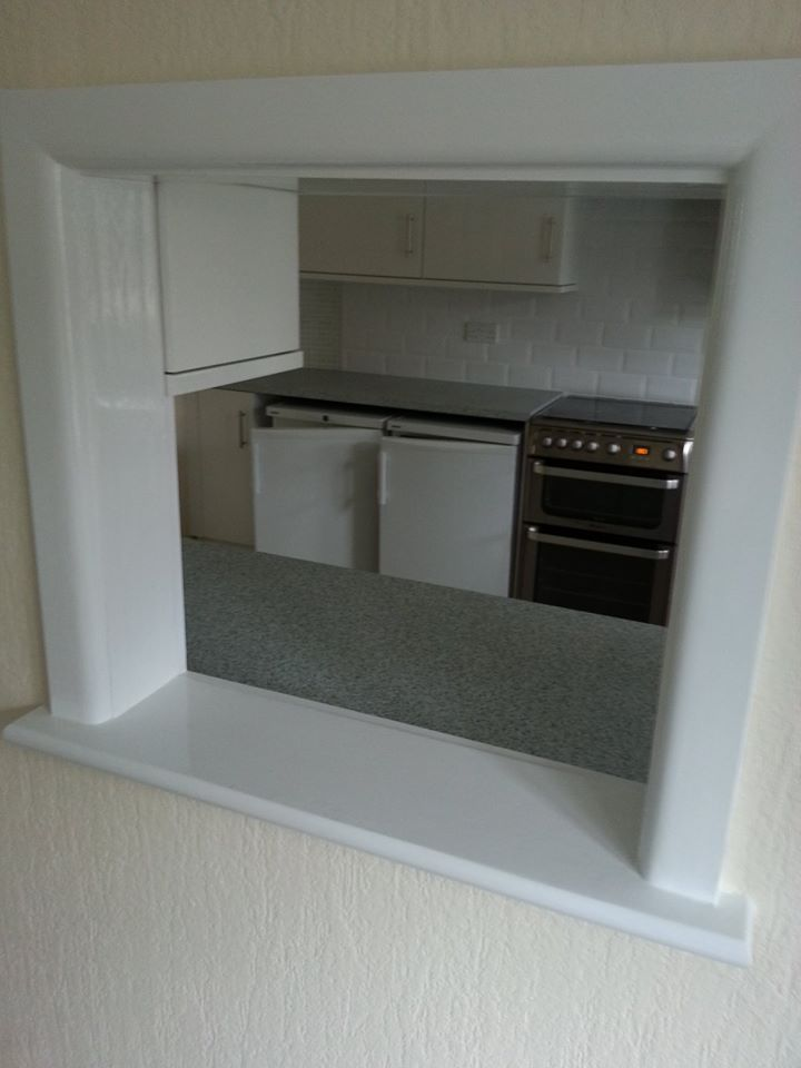 Serving Hatch Between Kitchen And Dining Room