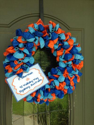 Fun Balloon Wreath As The Front Door D 233 Cor In The