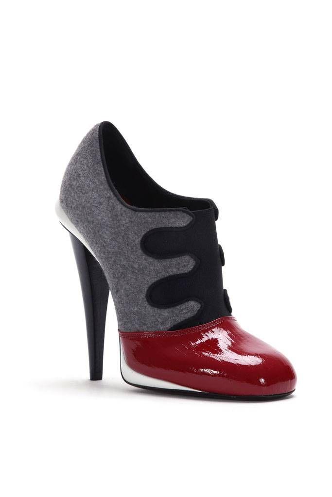 c0c344e26 Fendi Sapatos Sandálias, Roupas, Sandalia Rasteira, Sapatos Bonitos, Shoes  Calçados, Sapatos