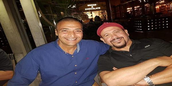 نشرالفنان هشام عباس صورة جديدة عبر حسابه الشخصي على إنستجرام حيث ظهر فيها مع صديقه الفنان حميد الشاعرى حيث إحتفل Arab Celebrities Best Memories Celebrities