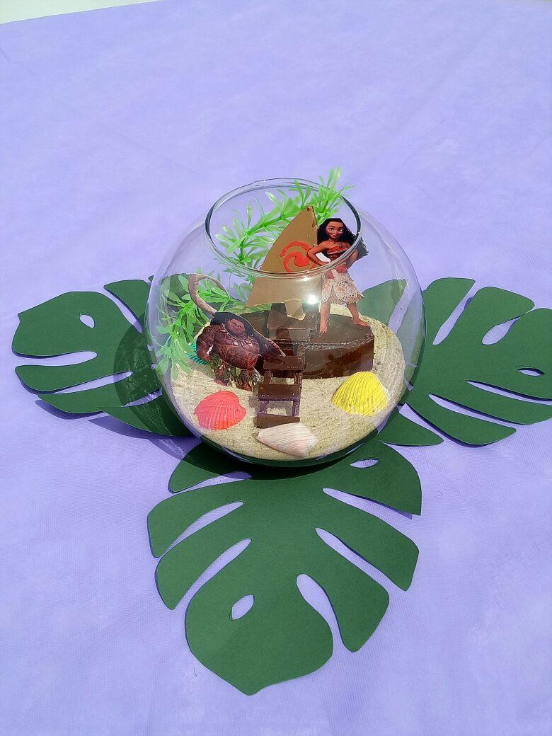 About hawaiian centerpieces on pinterest party decoration picture - Moana Table Centerpiece Moana Pinterest Centerpieces