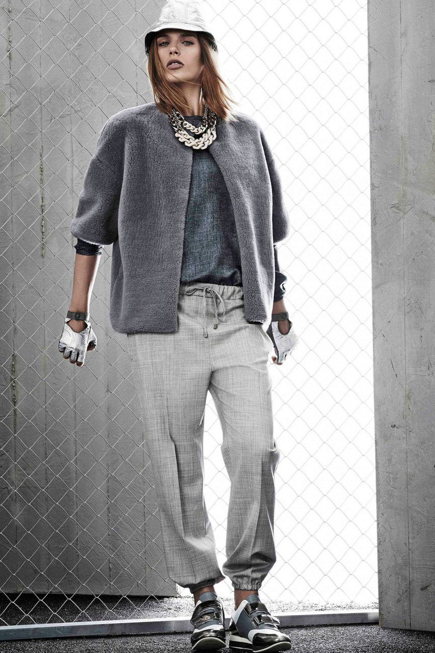 150213c0 Серые спортивные штаны (94 фото): с чем носить женские штаны серого цвета,  зауженные, с резинкой внизу, трикотажные, широкие