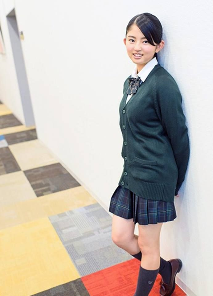 鈴本美愉の制服画像