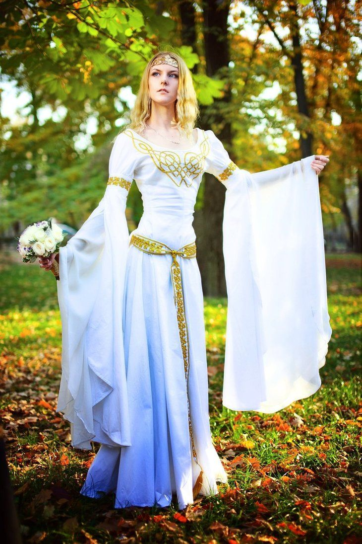 The Elven wedding dress by Ainaven on DeviantArt  Vestidos