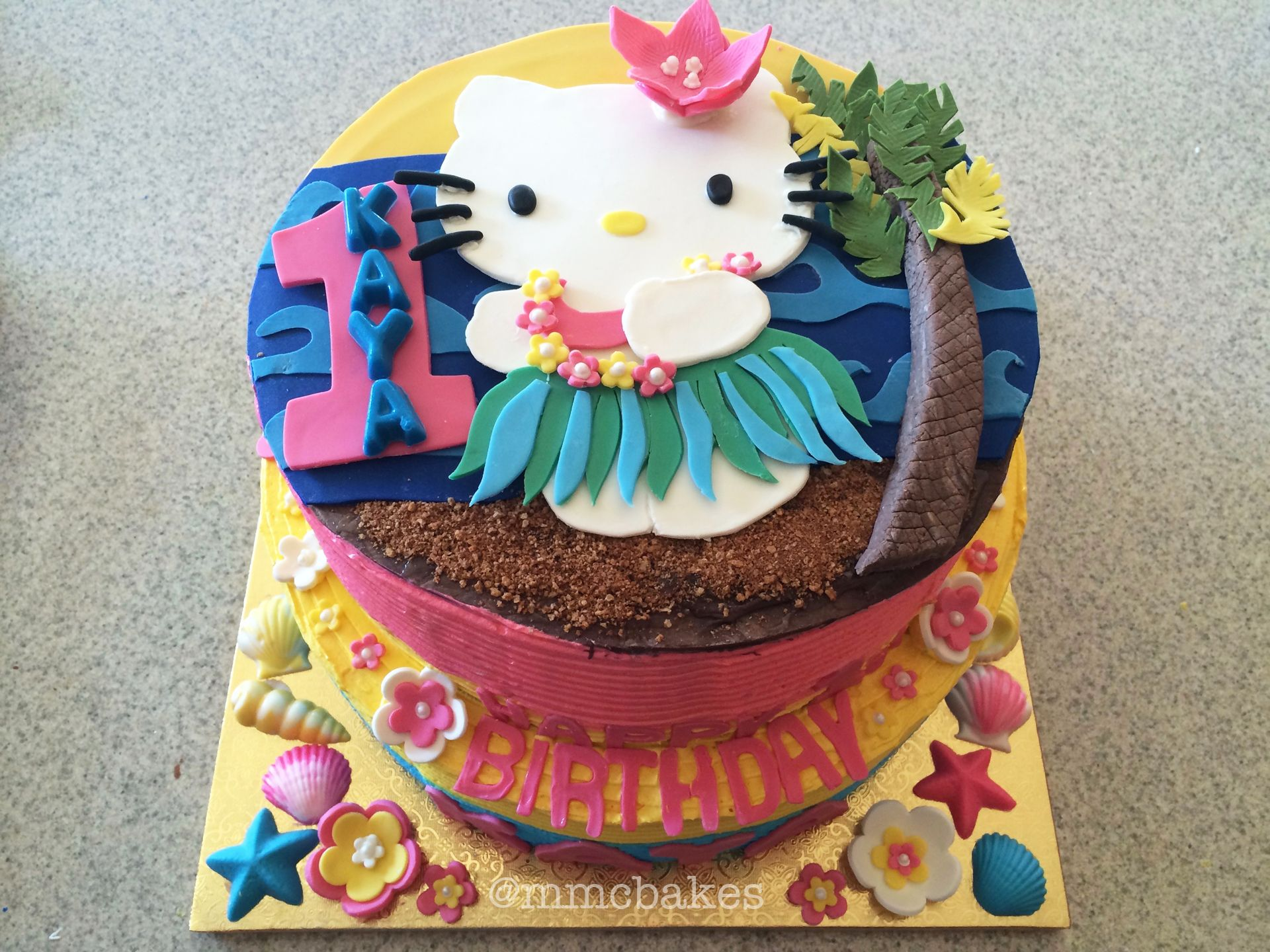 Hello Kitty Luau Custom Cakes By Mmc Bakes San Diego Fondant