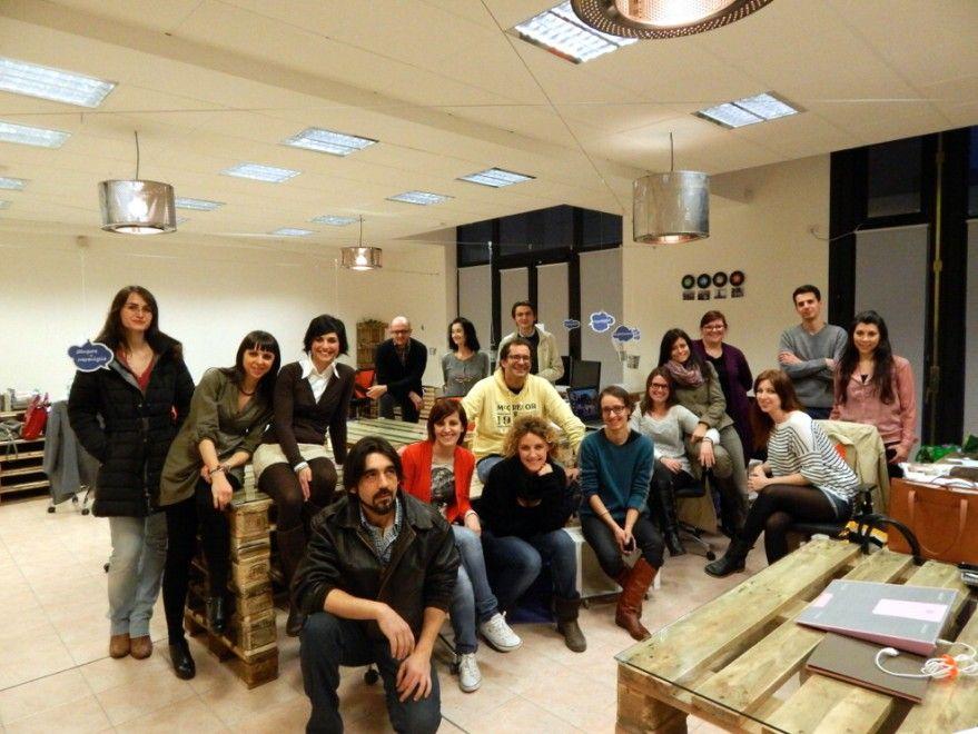 Thub, che sta per Talent Hub, è il nuovo coworking di Parma, che ha aperto i battenti in via Emilia nell'ex sede di Parmatour: venti professionisti ogni giorno gomito a gomito tra arredi in materiale riciclato. ( racas )   LEGGI L'ARTICOLO