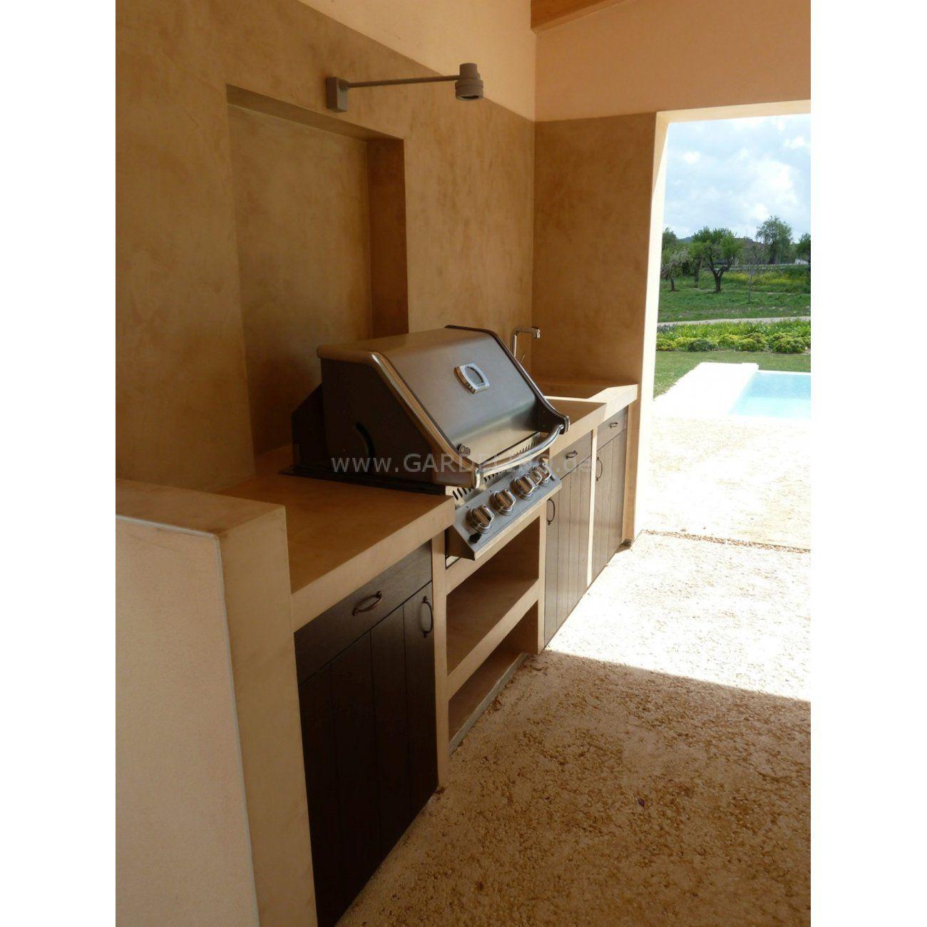 Mediterrane Napoleon Außenküche auf Mallorca mit Überdachung