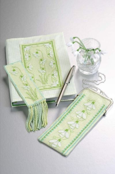 Lovely project from the Making Spot designed by Lesley Teare.  The colors chosen are especially fab.