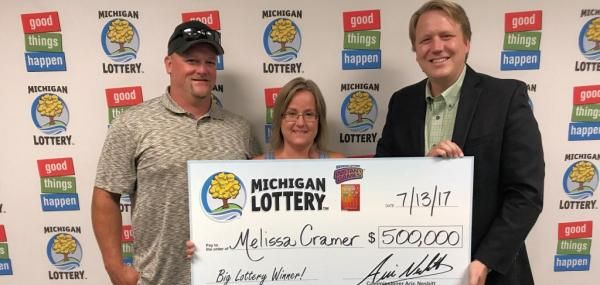 Woman Talks Fiance Into Buying 500 000 Lottery Ticket Lottery Lottery Tickets Play Lottery Online