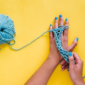 finger knit yoga mat strap  diy finger knitting finger