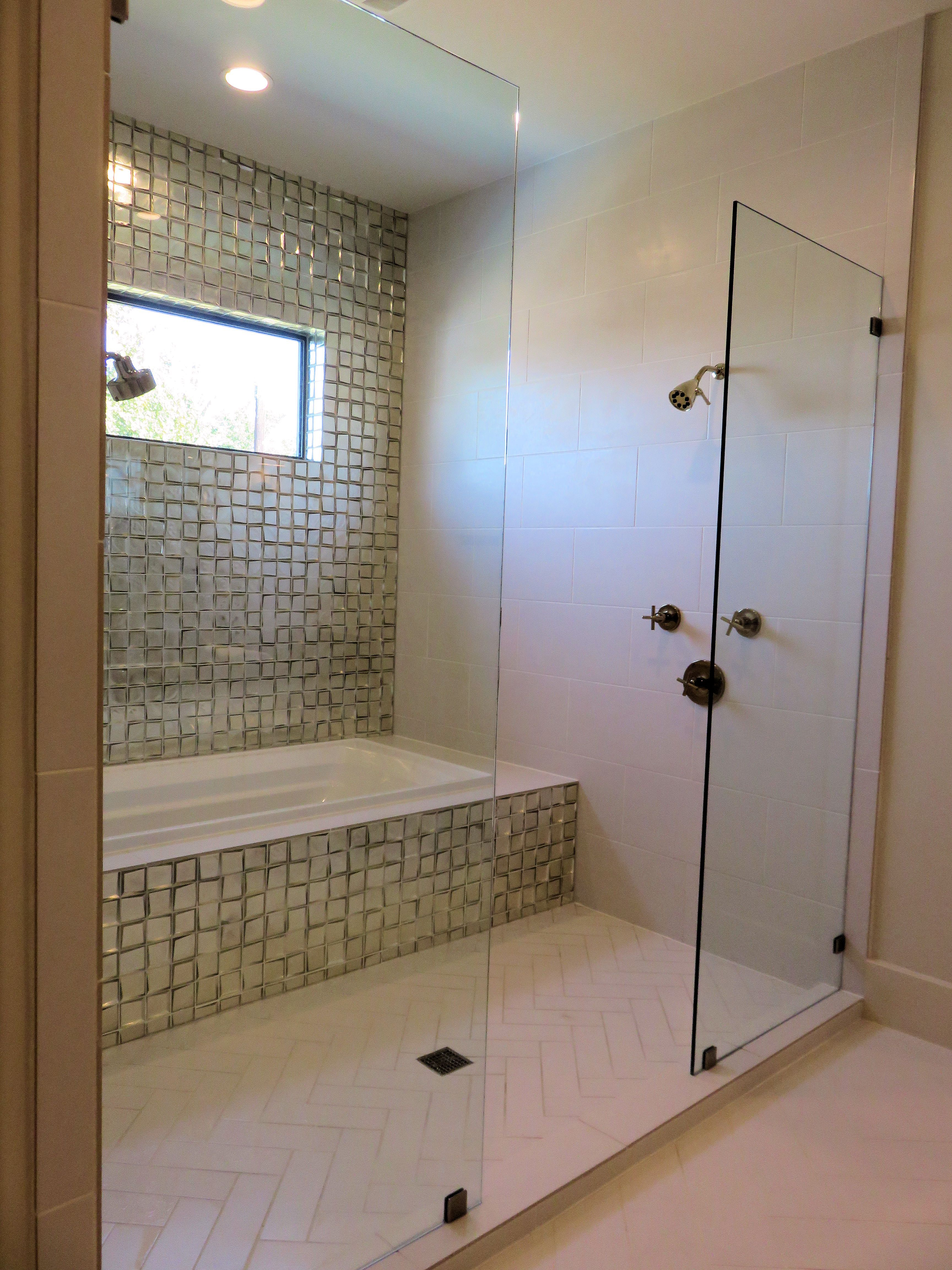 Wet Room Shower And Tub Combo With Images Custom Shower Doors