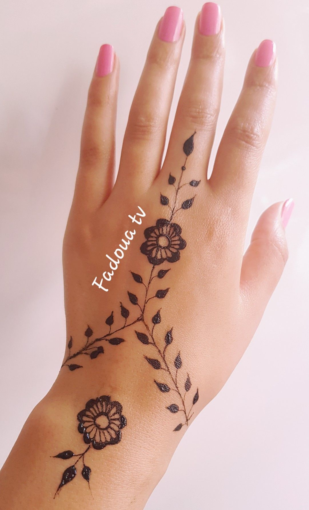 Pin By Patata 513 On Diy Henna Henna Tattoo Hand Henna Diy Henna