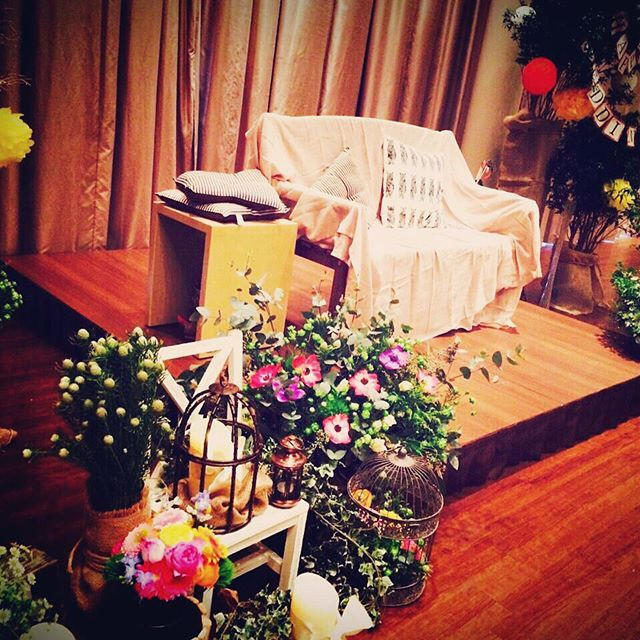お二人のメイン席がソファ席に✨ #ブリーズレイ #結婚式 #wedding #ソファ #おしゃれ #花 #ワクワク #笑顔 #カメラ #鳥栖 #特別感 #アンティーク #感動