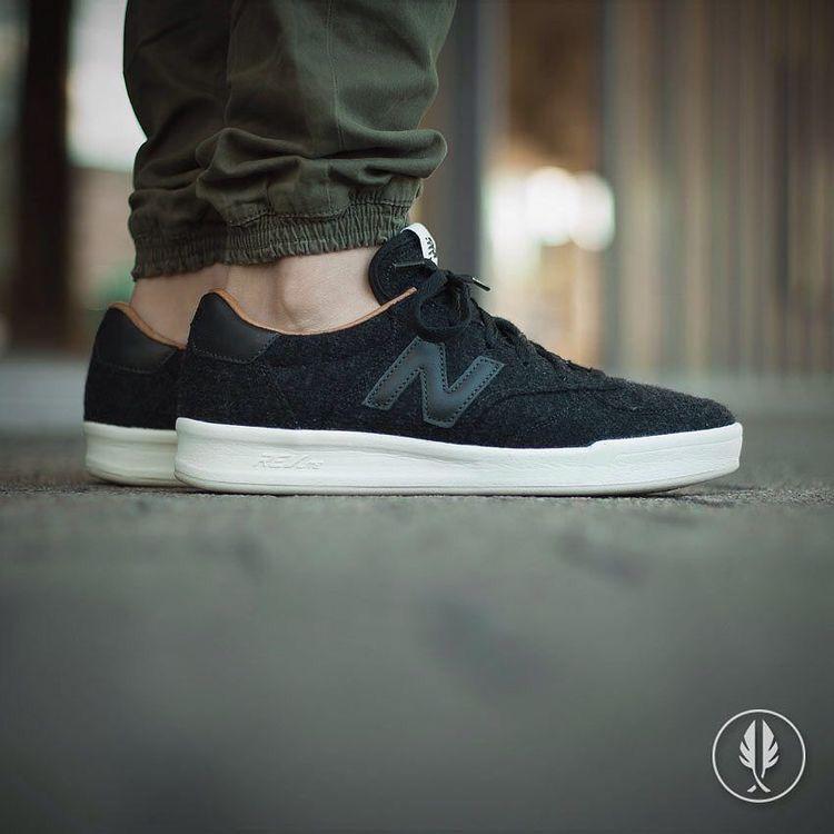 New Balance CRT300: Black