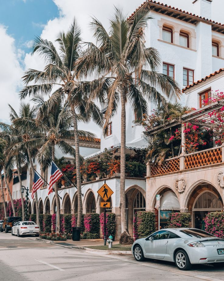 One of my favorite things to do in Palm Beach, Florida is strolling through Worth Avenue. Whether you're on the lookout for the best restaurants in Palm Beach or just love shopping, you'll find the very best in town here!