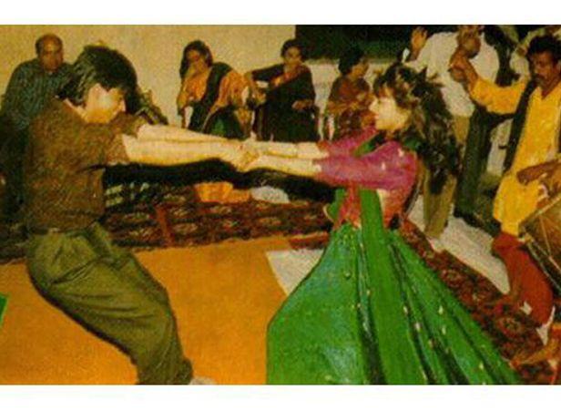 Image result for shahrukh khan gauri candid